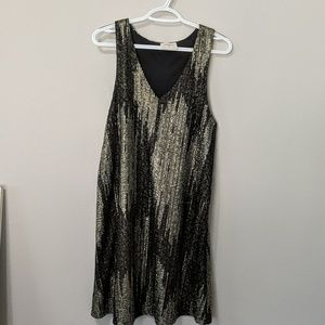 V-Neck Knee-length shiny sleeveless dress